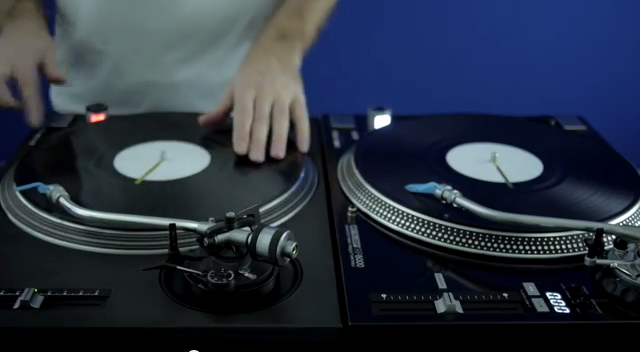 Fong Fong takes a quick look at the Reloop RP-8000 against the Technics 1210
